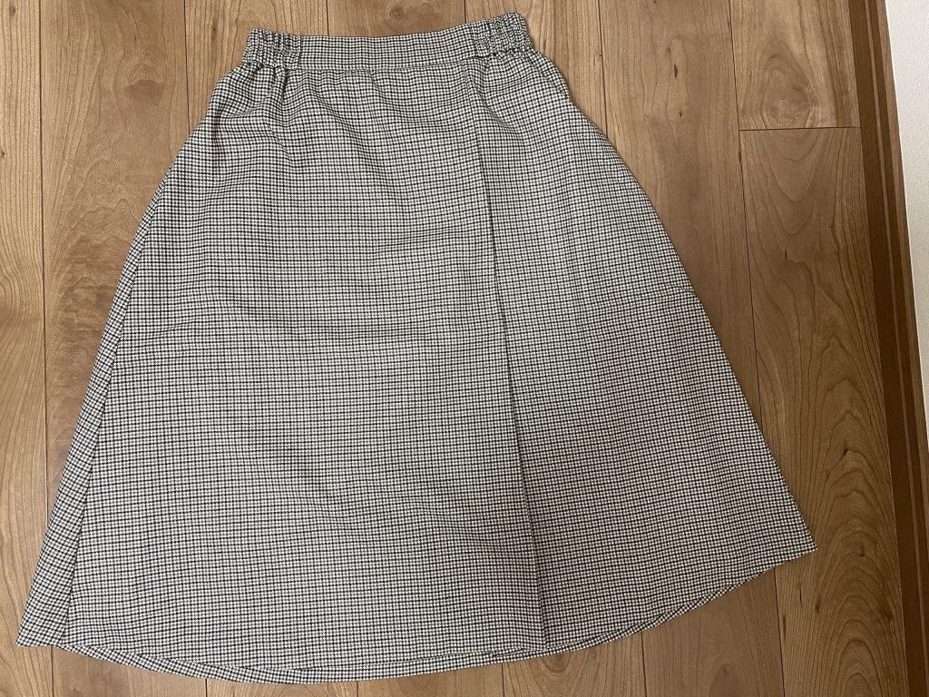 細かい千鳥柄スカート