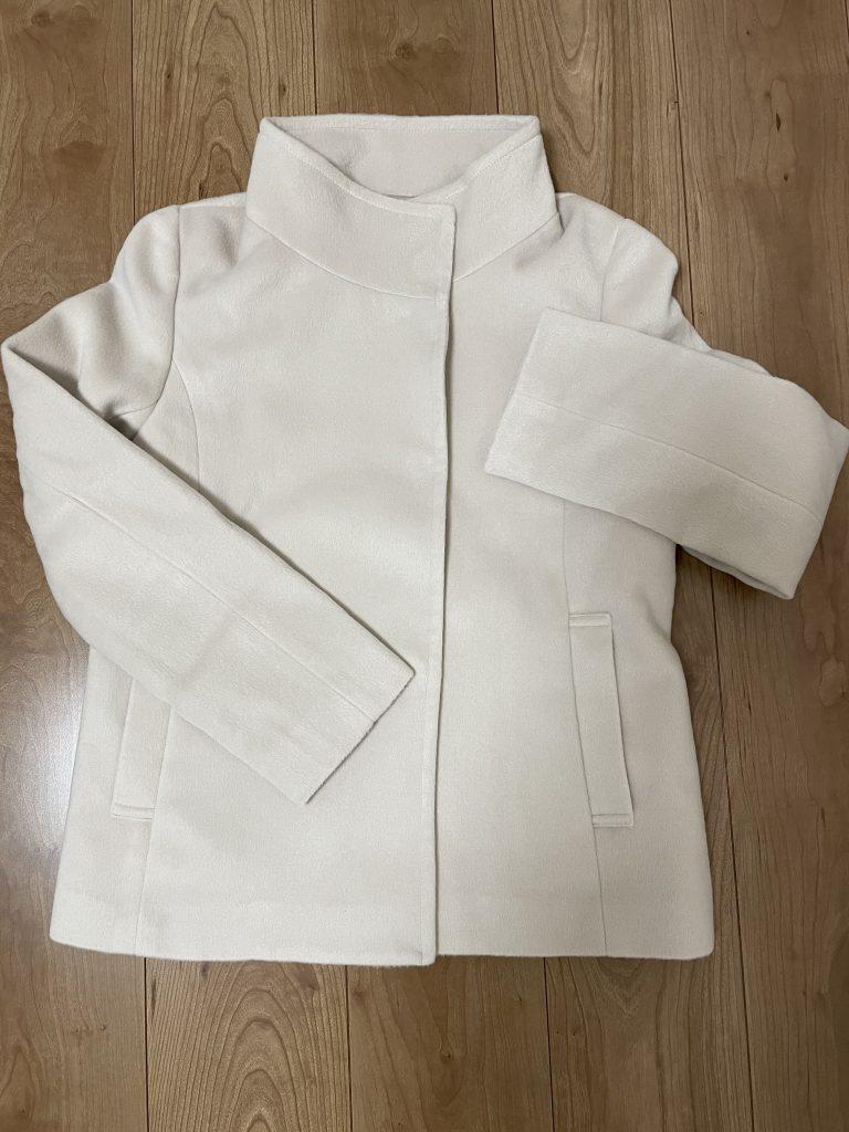 アイボリーベージュのコート